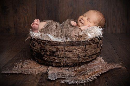 Die beste Zeit für ein Neugeborenen Shooting.Die beste Zeit für ein Newborn Shooting.